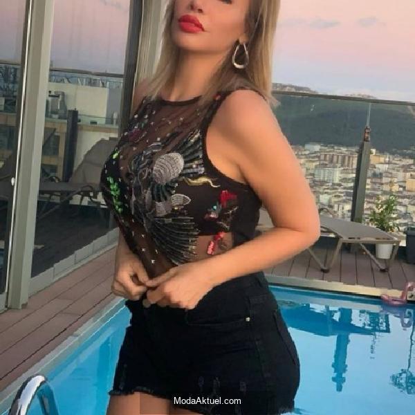 Linet'ten bikinili paylaşım