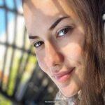 Beyaz TV'de eşi Fahriye Evcen'e aşık olan kadının sorusu