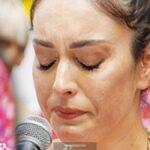 Ezgi Mola, ağladı
