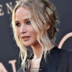 Jennifer Lawrence, sattığı evden zarar etti