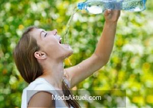Yetişkin bir birey günde 2-2,5 litre su tüketmeli
